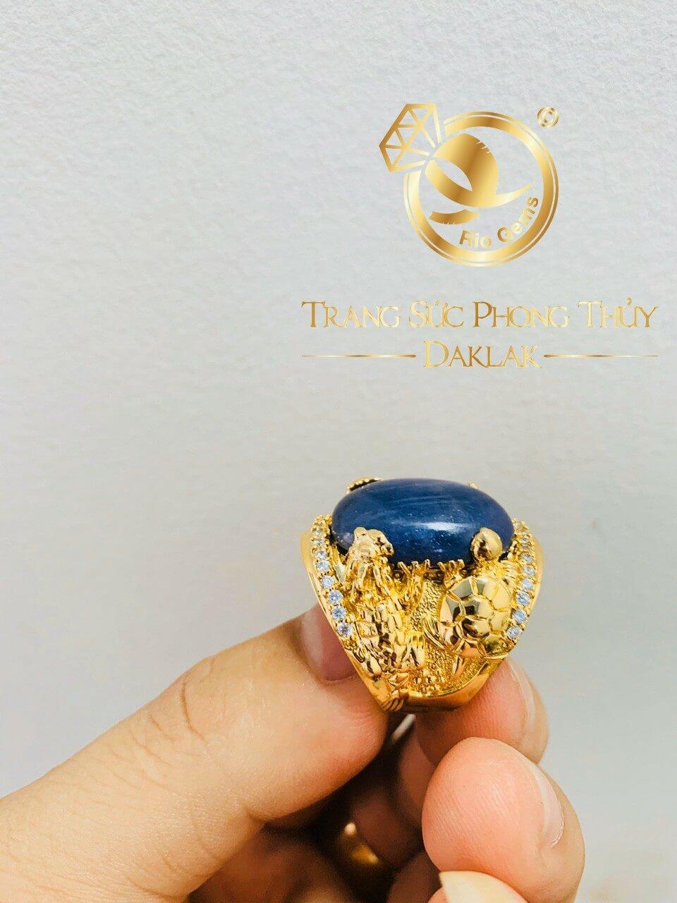 nhan long lan quy phung vang 18k dinh da sapphire xanh den tai loc