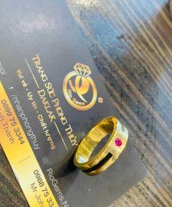 Nhẫn nam vàng 18K đính đá đỏ Cz luồng 1 lông FAKE giản đơn, sang trọng