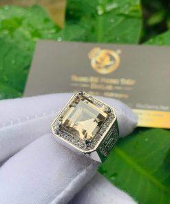 Nhẫn nam vàng đính Thạch Anh khói vuông mang lại tài lộc, may mắn, thuận lợi