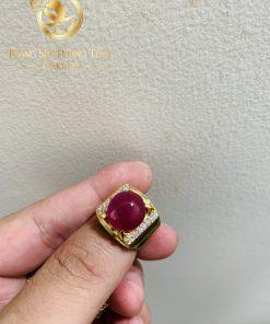 Nhẫn nam vàng 18K Ruby Yên Bái RIOGEMs được đính đá quý sang trọng