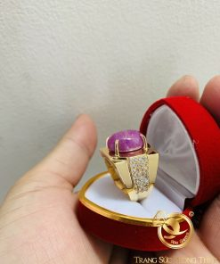 Nhẫn Nam Vàng đính đá ô van Ruby Yên Bái uy quyền