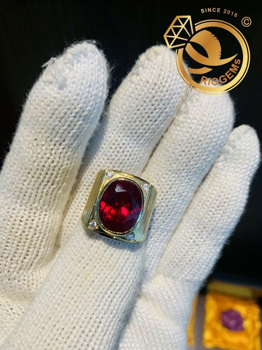 Nhẫn nam vàng đính đá Garnet lớn độc đáo