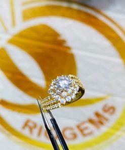 Nhẫn nữ hoàng đính đá Cz trắng
