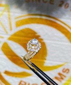 Nhẫn nữ hoàng đính đá Cz hợp mệnh