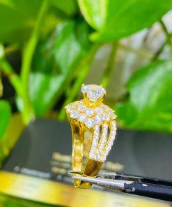 Nhẫn nữ hoàng đính đá Cz