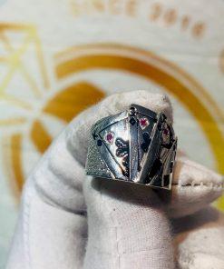 Nhẫn Thần bài NAM NỮ BẠC TA hợp mệnh