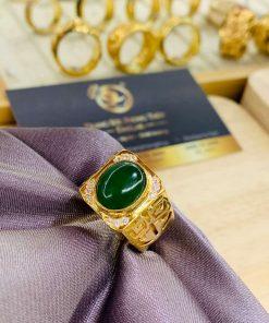 Nhẫn vàng chữ Lộc đính ngọc bích