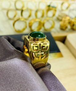 Nhẫn vàng chữ Lộc đính ngọc bích Canada gia công tại RIOGEMs