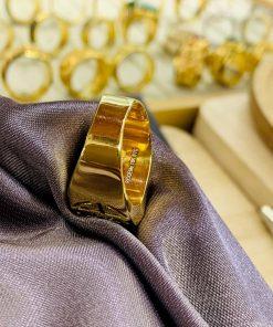 Nhẫn vàng chữ Lộc đính ngọc bích phong thủy