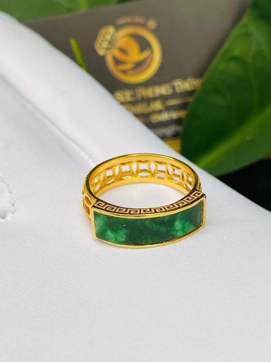 Nhẫn yên ngựa NAM NỮ hoa văn VÀNG 18K Ngọc cẩm thạch Jadeite độc