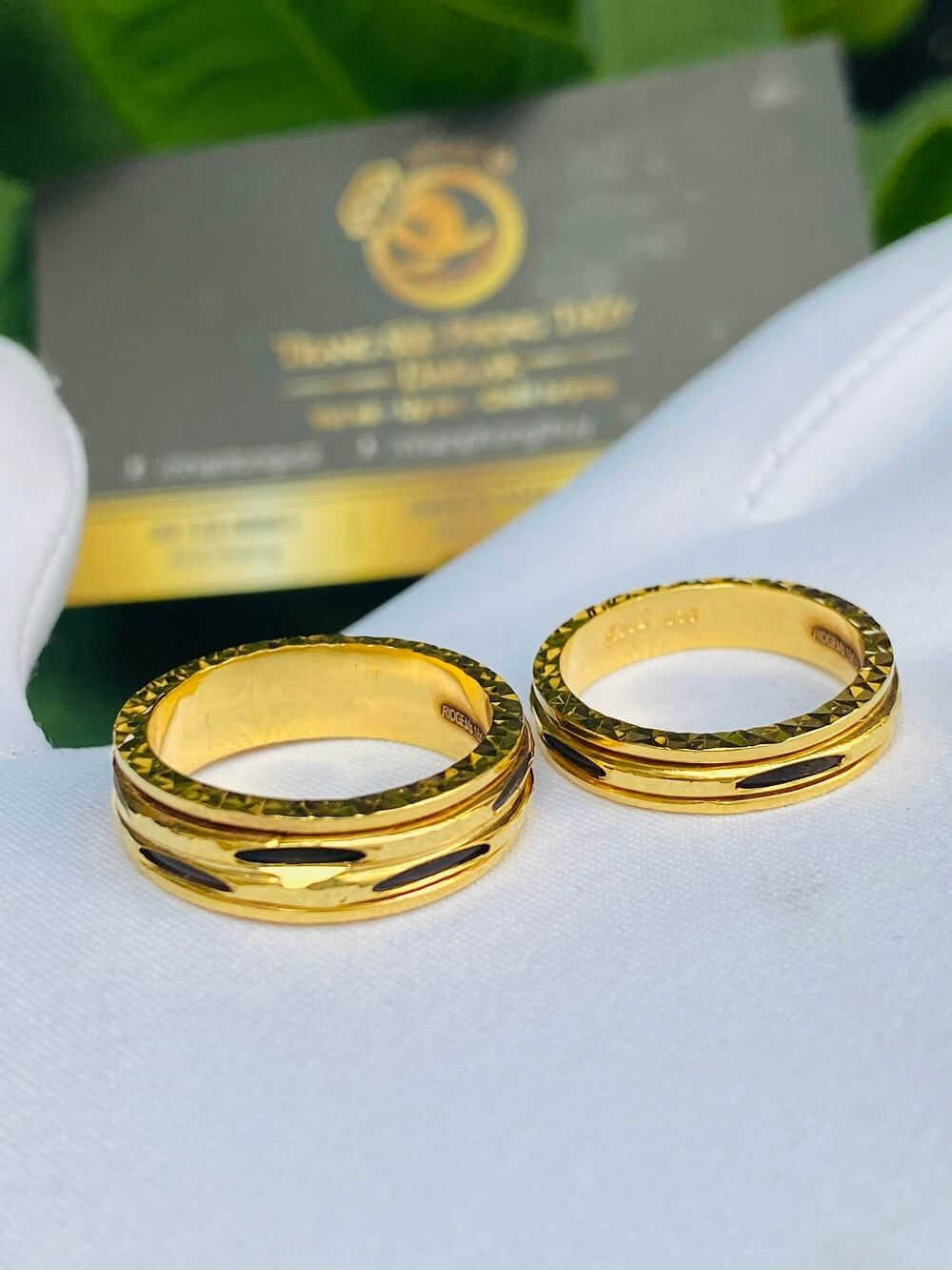 Cặp nhẫn Lông xoay luồng 1 – 2 sợi Lông FAKE độc đáo