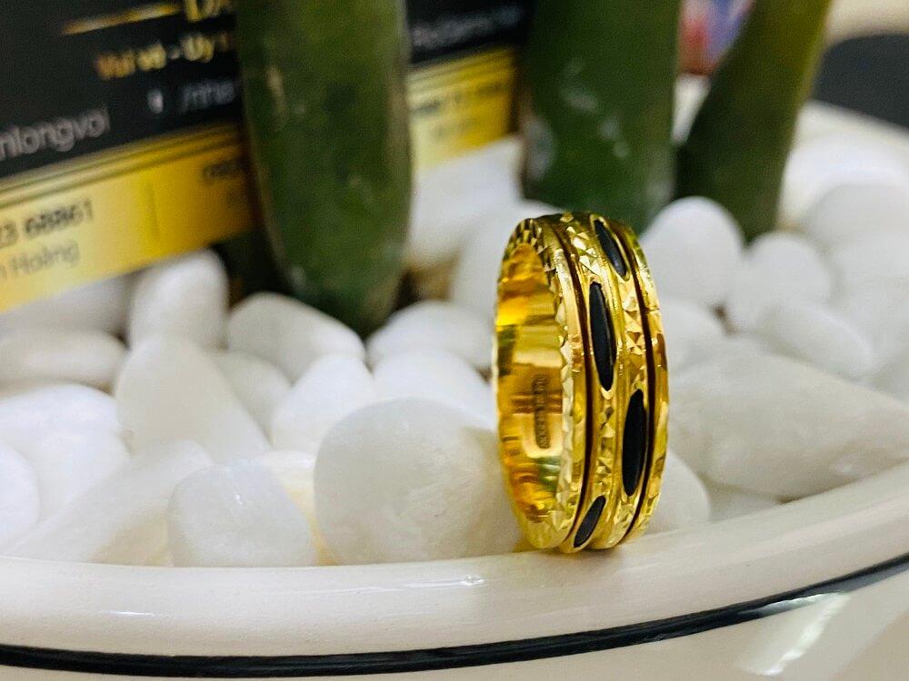 Nhẫn xoay vàng 18K luồng 2 sợi Lông (lông FAKE) giá trị