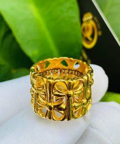 Nhẫn Chrome Heart vàng phong thủy