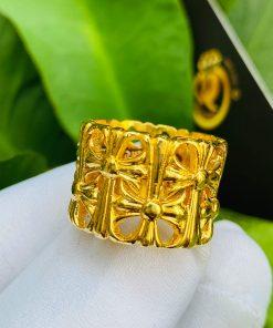 Nhẫn Chrome Heart vàng phong thủy đẹp
