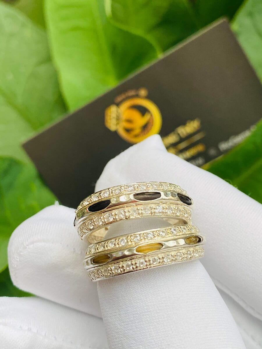 Cặp nhẫn bạc 2 hàng đá trắng luồng 1 sợi lông voi đen trắng – HÀNG FAKE sang trọng