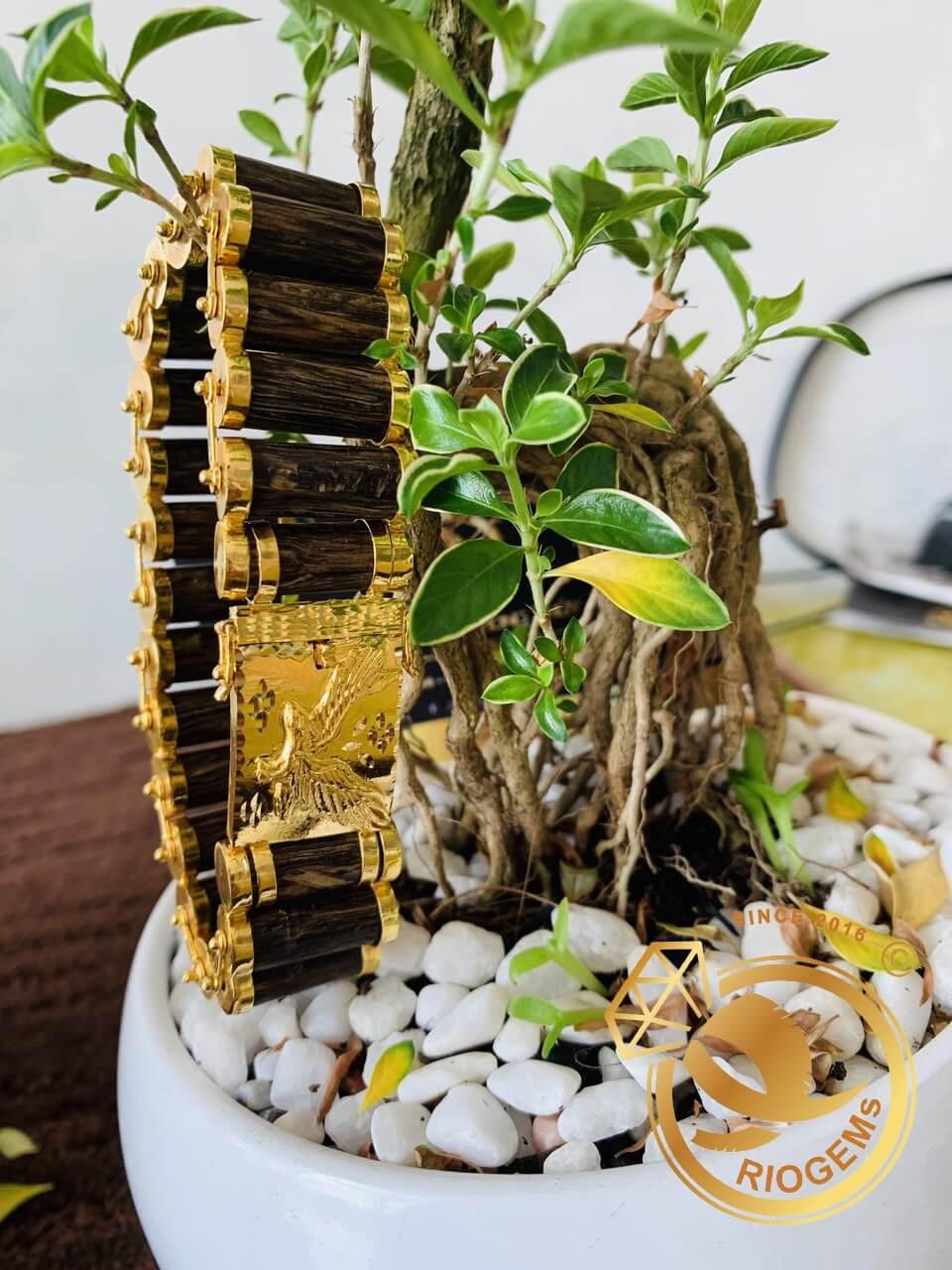 Lắc tay mắc xích trầm hương được gia công tại RIOGEMs