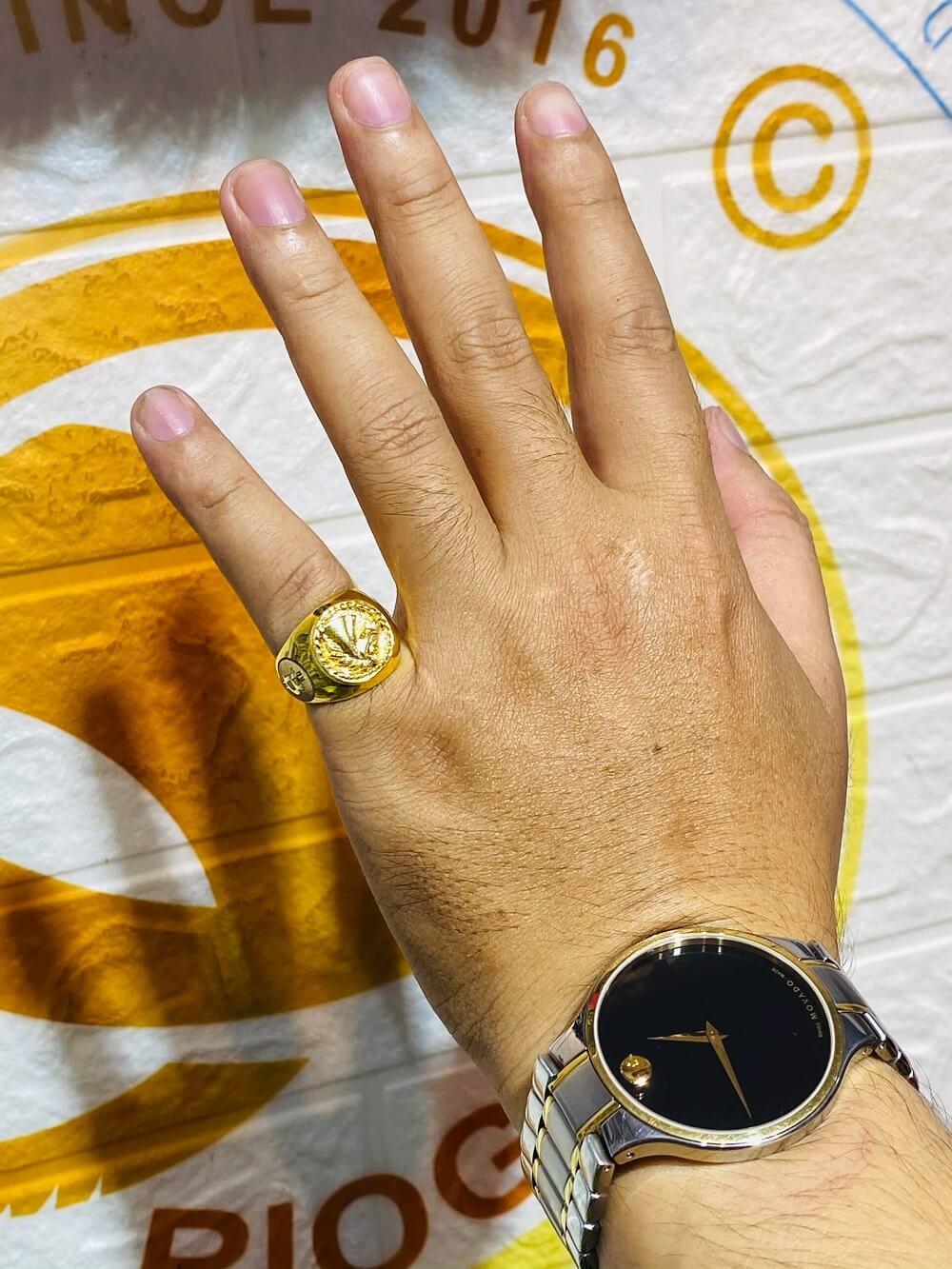 Nhẫn ngựa vàng 3D khắc 2 BITCOIN vàng 18K đeo ngón ÚT độc đáo
