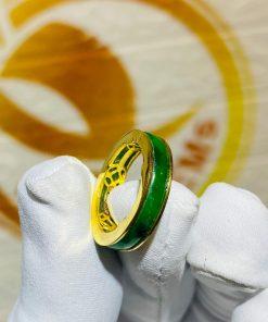 Nhẫn ngọc Jadeite bọc 5 đồng tiền bằng vàng