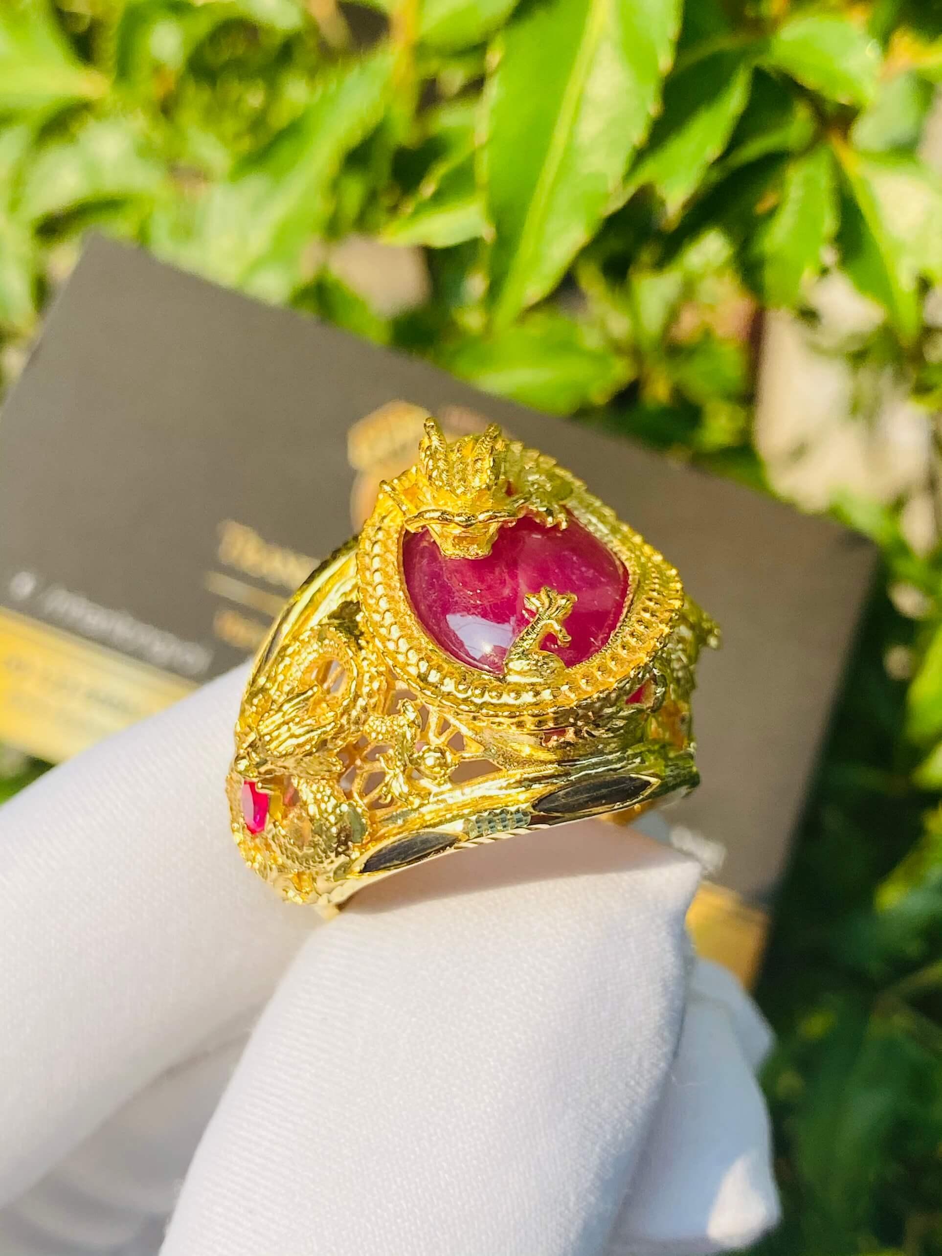 Nhẫn Rồng cuộn vàng ngậm ngọc Ruby lông voi phong thủy đẹp chất