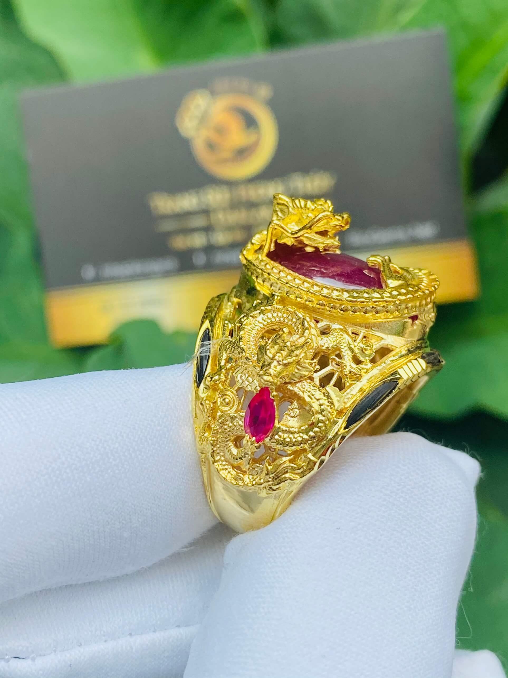 Nhẫn Rồng cuộn vàng ngậm ngọc Ruby lông voi phong thủy