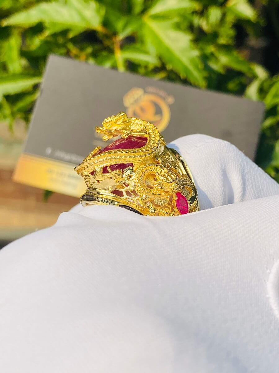 Nhẫn Rồng cuộn vàng ngậm ngọc Ruby Luồng 2 sợi Lông FAKE đẹp