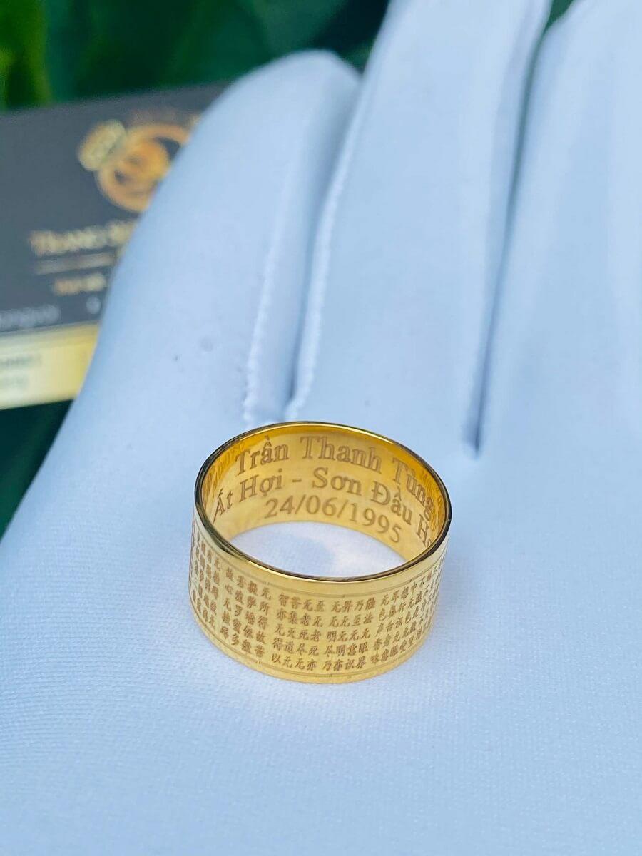 Nhẫn Bát Nhã Tâm Kinh nam nữ VÀNG 18K – Bảng 10mm mạnh mẽ