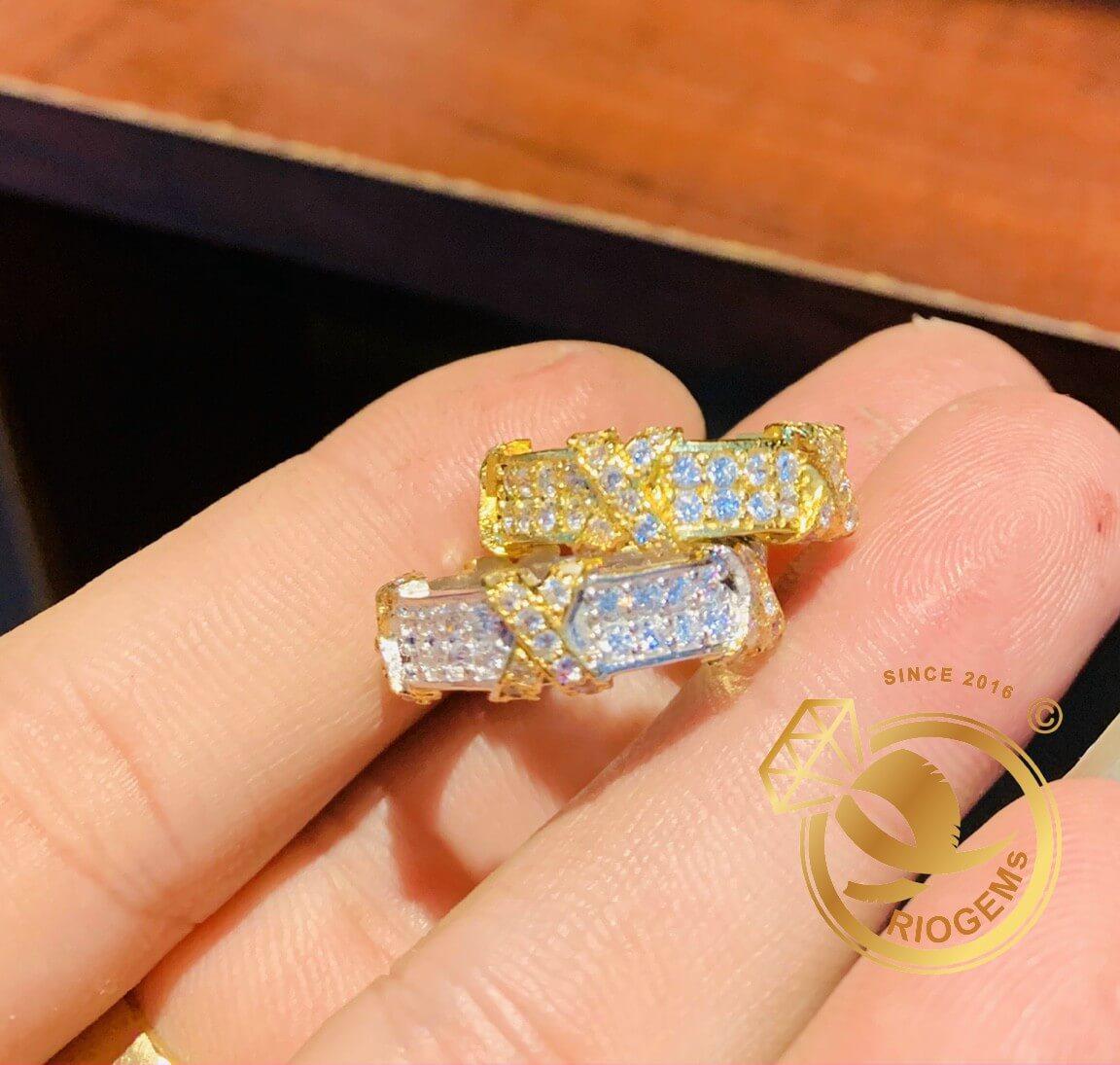 Nhẫn 5 chữ X vàng & vàng trắng đính xoàn tấm Mỹ RioGems