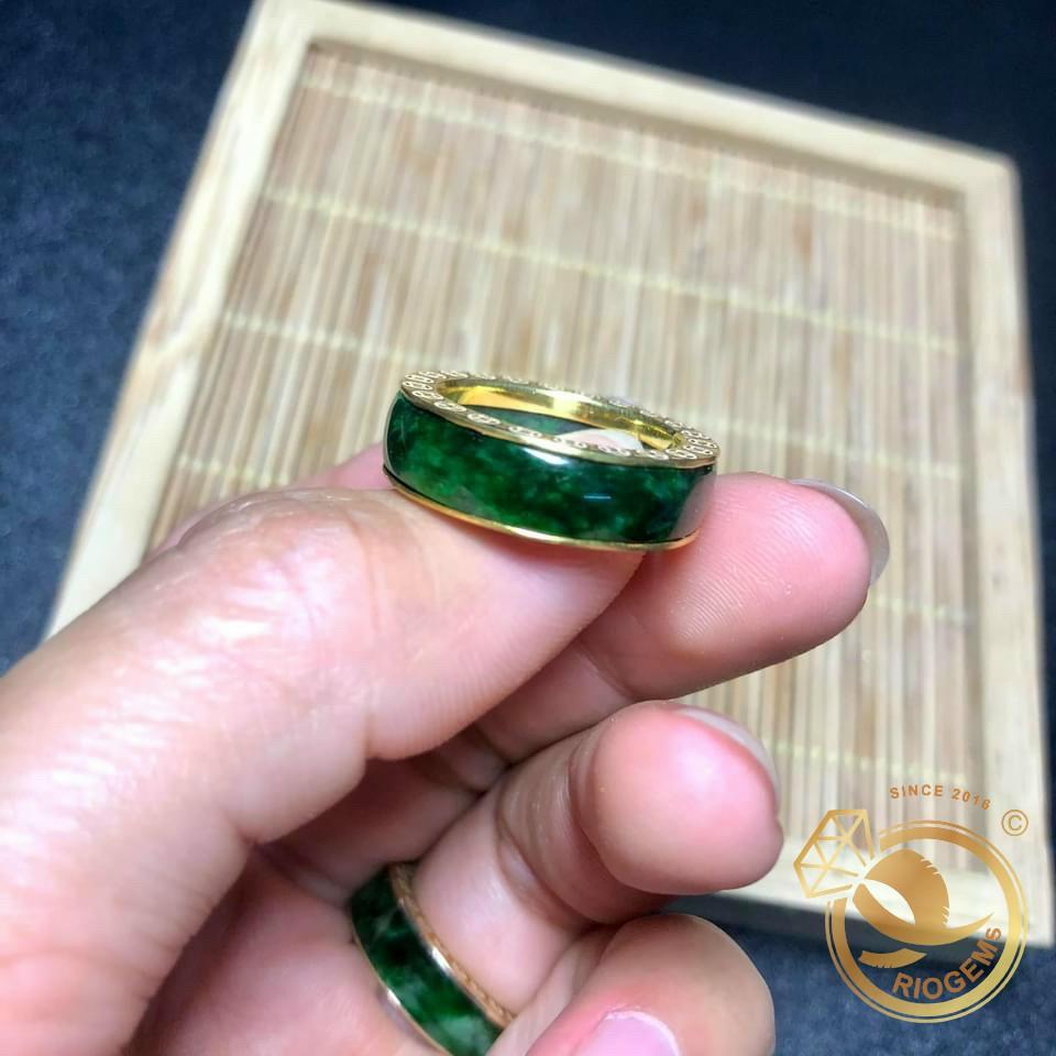 Nhẫn Ngọc Bích bọc vàng quý