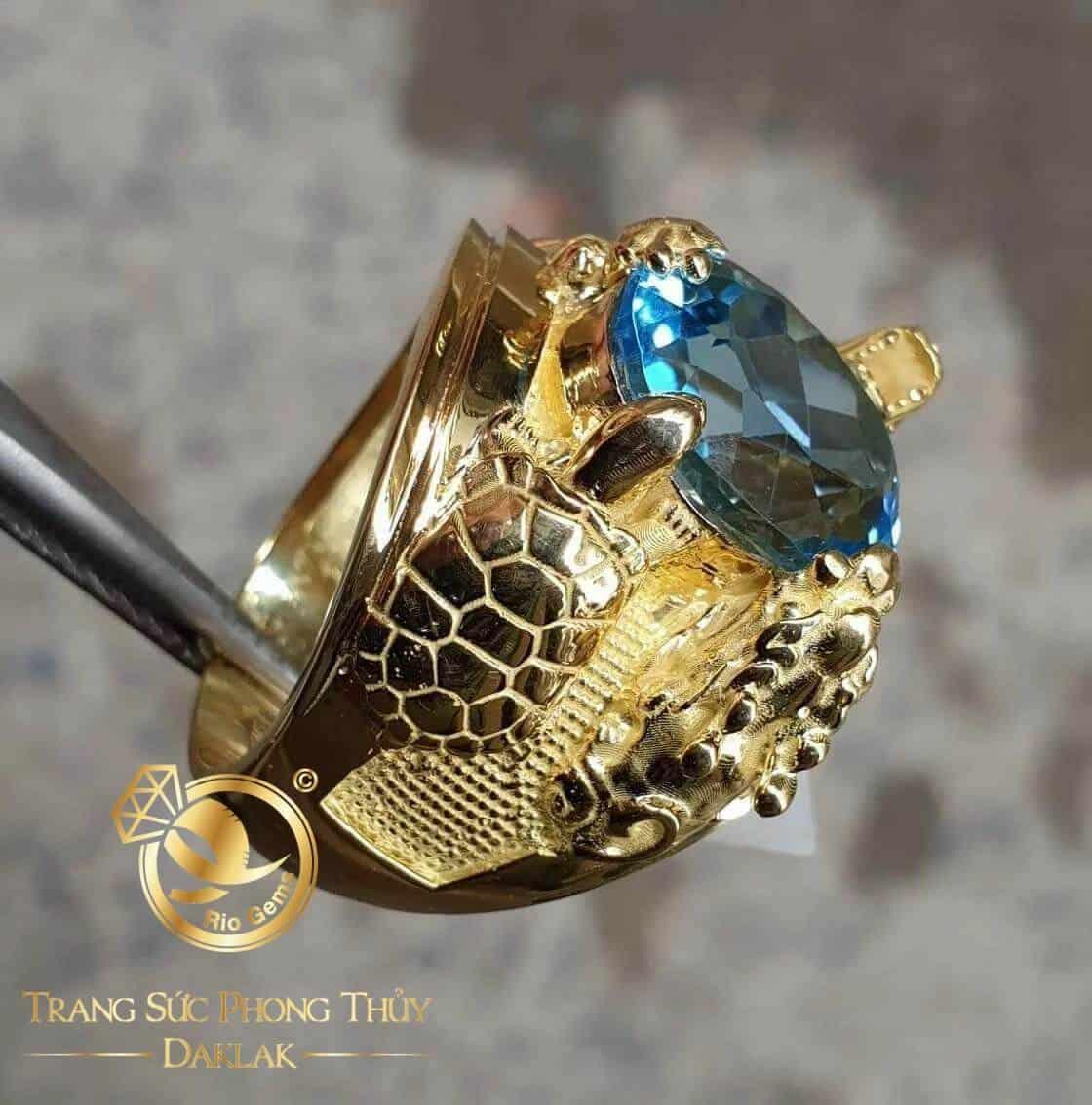 Nhẫn Tứ Linh chầu ngọc Sapphire xanh