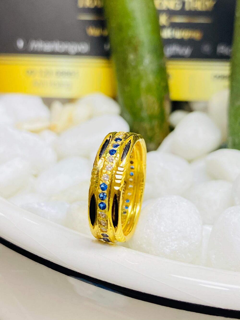 Nhẫn nữ phong thủy đính hàng 3 đá luồng 2 (Lông FAKE) giá trị