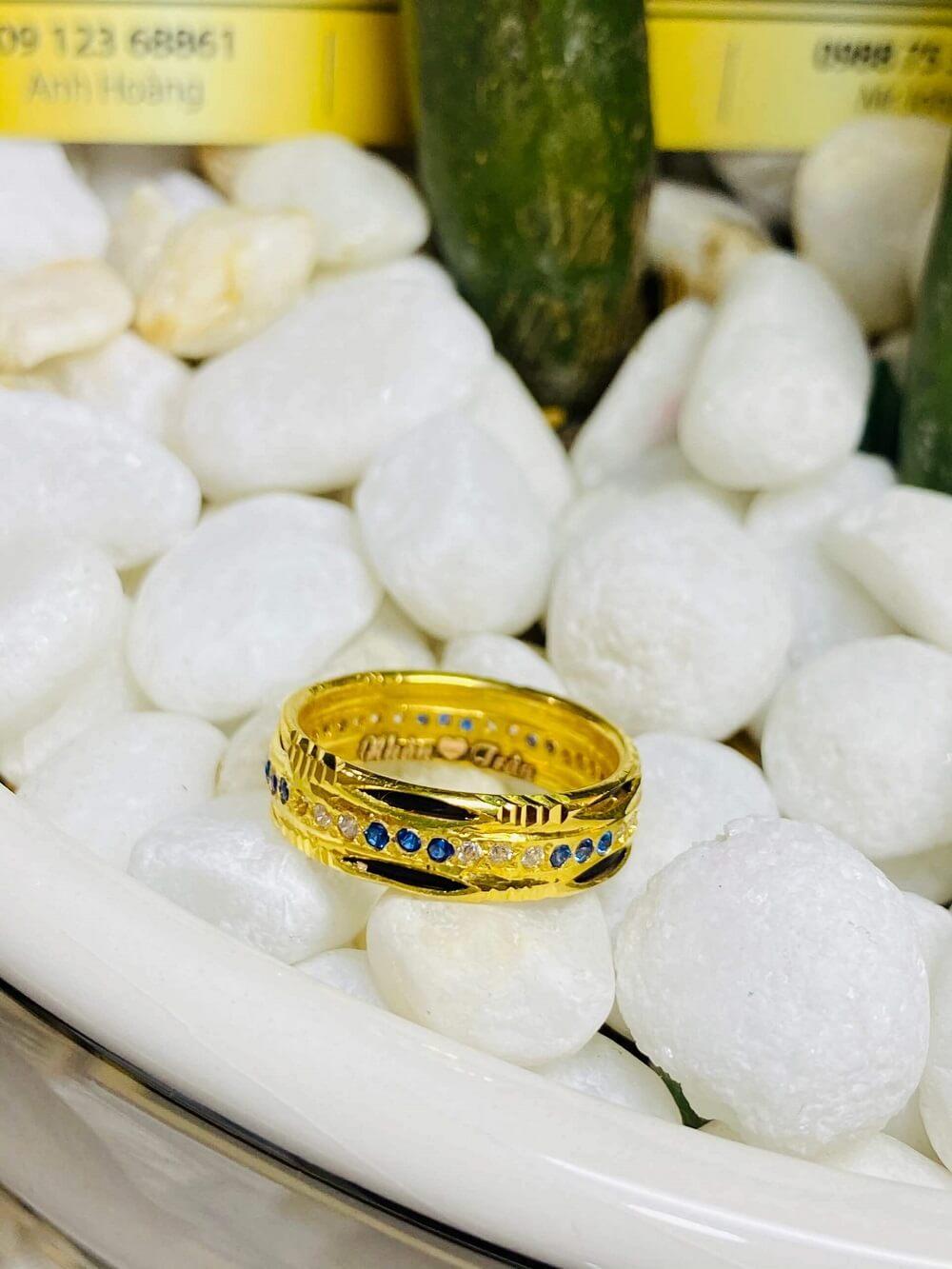Nhẫn nữ phong thủy đính hàng 3 đá luồng 2 (Lông FAKE) độc đáo