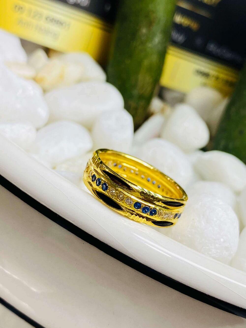 Nhẫn nữ phong thủy đính hàng 3 đá luồng 2 (Lông FAKE) tinh tế