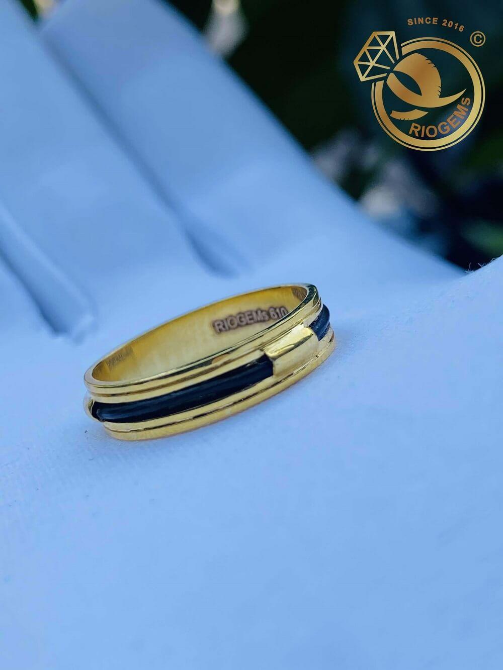 Nhẫn nữ vàng 18K luồng 1 lông ngoài 2 rãnh đem tài lộc