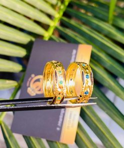 Cặp nhẫn cưới nam nữ phong thủy được làm từ chất liệu vàng 18K