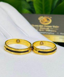 Cặp nhẫn vàng luồng 1 lông voi ngoài 2 rãnh tôn da người đeo