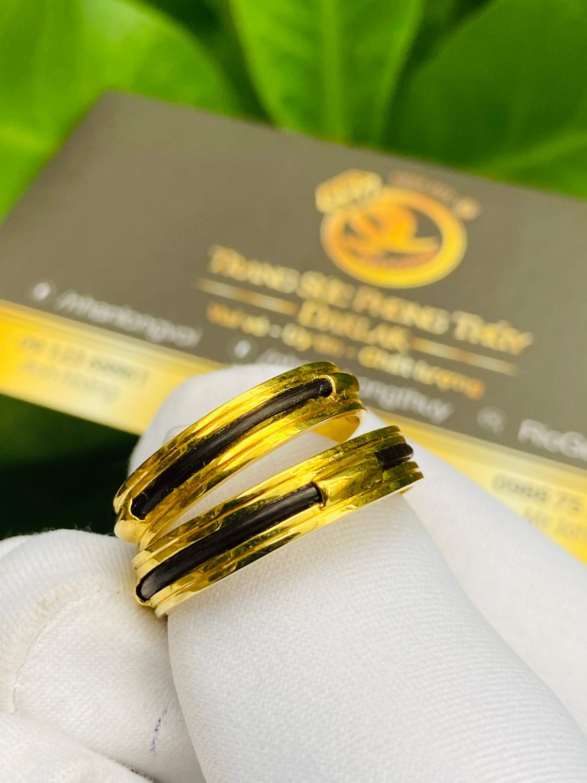 Cặp nhẫn vàng luồng 1 lông voi ngoài 2 rãnh phong thủy