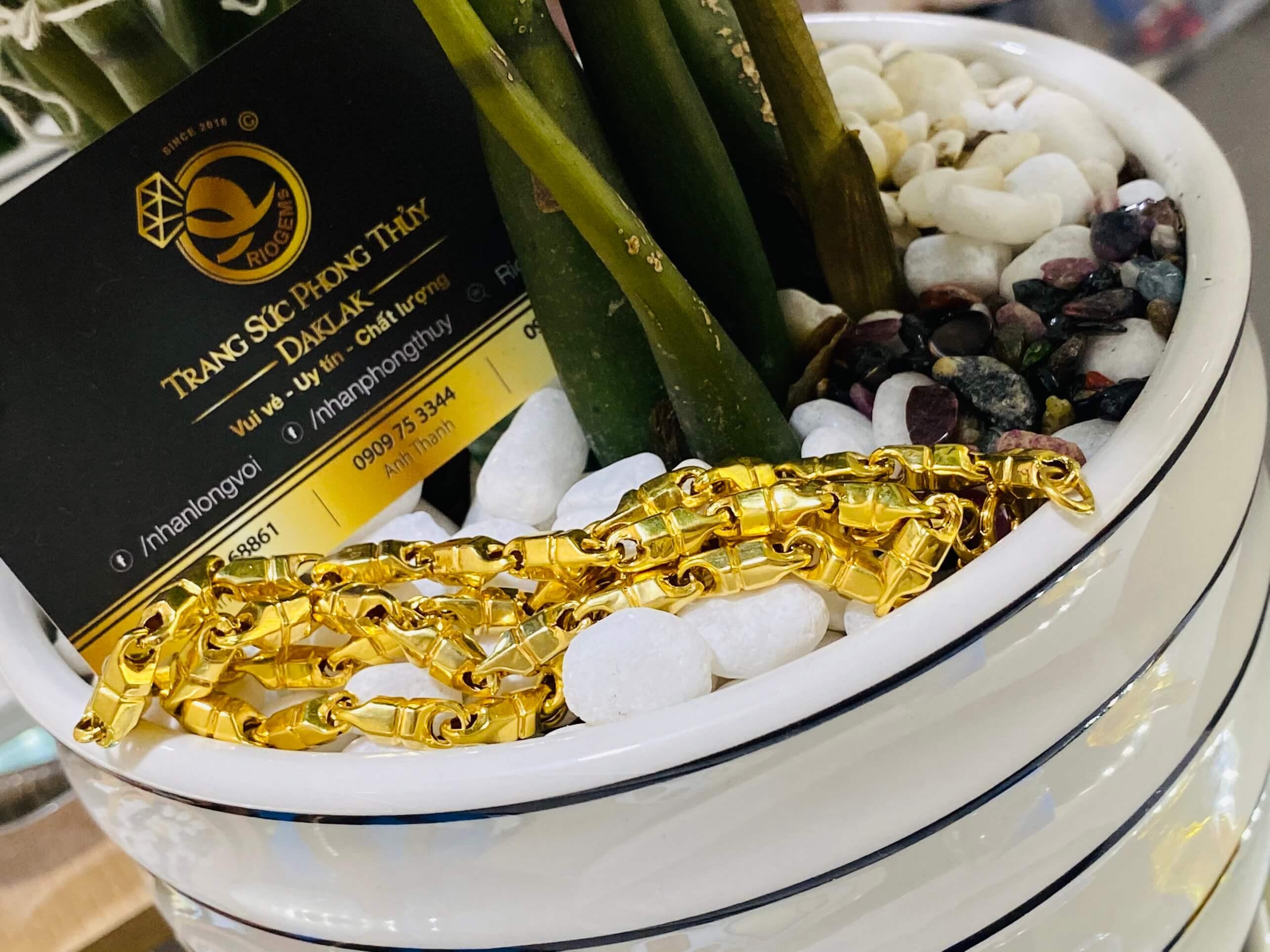 Dây chuyền xích vàng được làm từ vàng 18k610 cao cấp