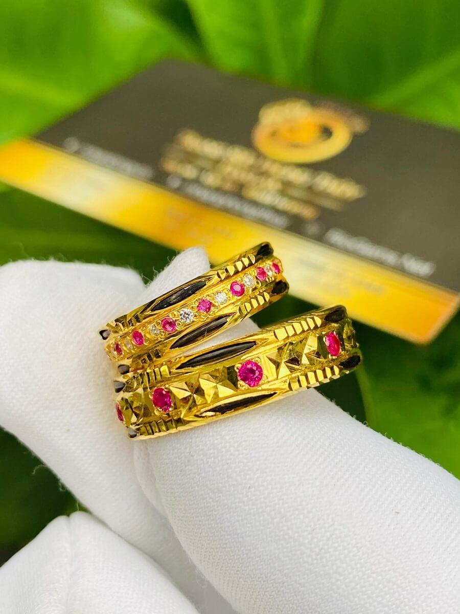 Nhẫn đôi đính đá hợp mệnh Hỏa Thổ luồng 2 sợi lông (lông FAKE) đẹp