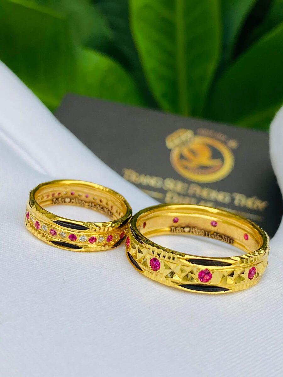 Nhẫn đôi đính đá hợp mệnh Hỏa Thổ luồng 2 sợi lông (lông FAKE) giá trị
