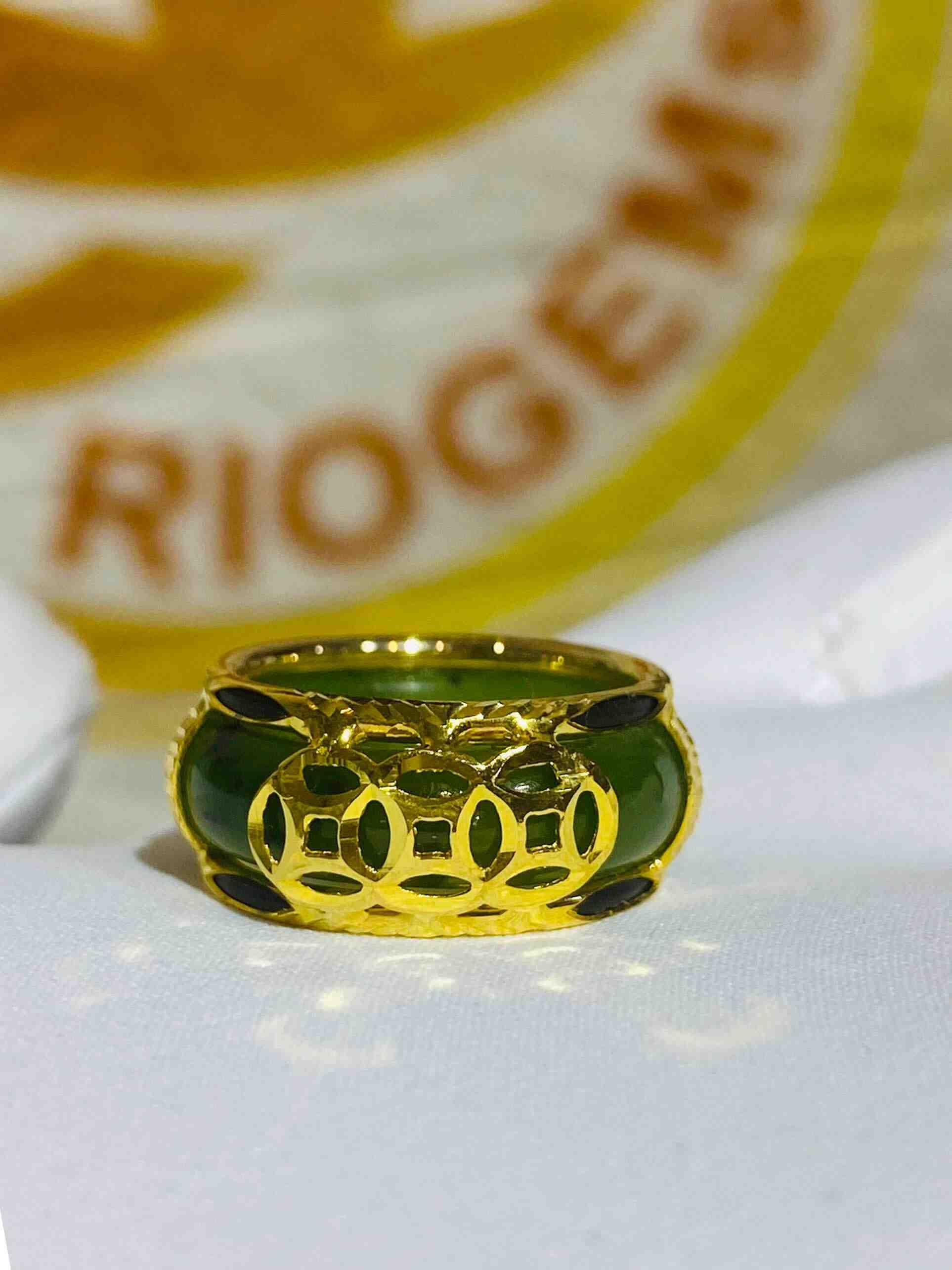 Nhẫn Ngọc Bích nam nữ 3 đồng tiền vàng xỏ lông voi phong thủy