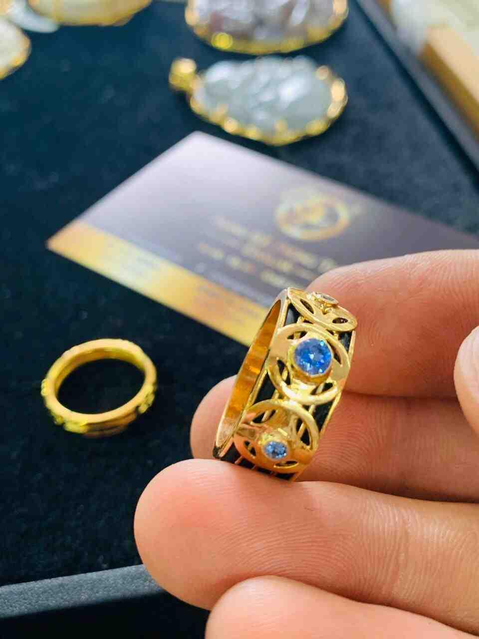 Nhẫn ĐỒNG TIỀN đính đá Cz xanh dương hợp mệnh Thủy – Mộc