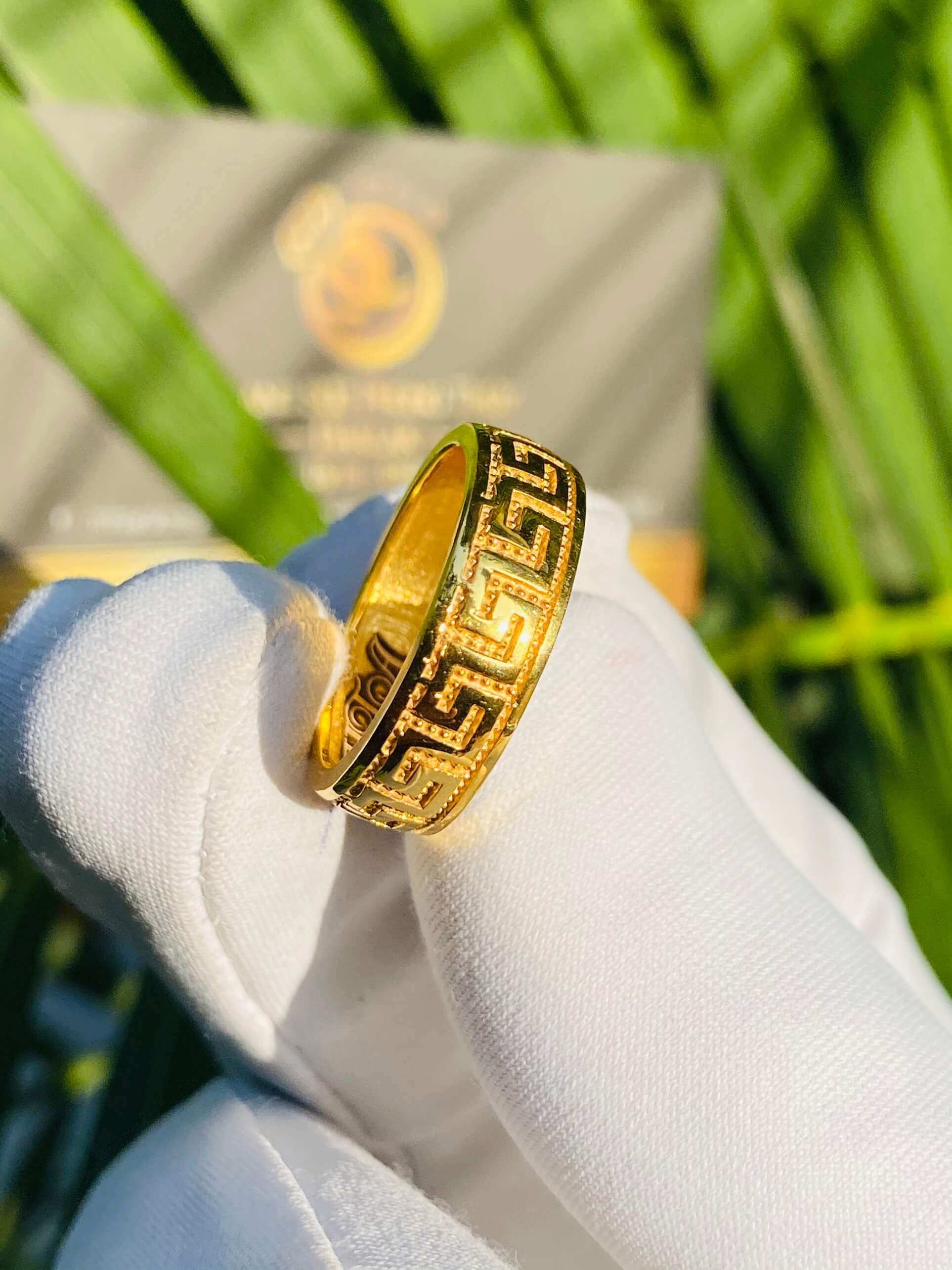 Nhẫn hoa văn nổi 3d đầy tinh xảo
