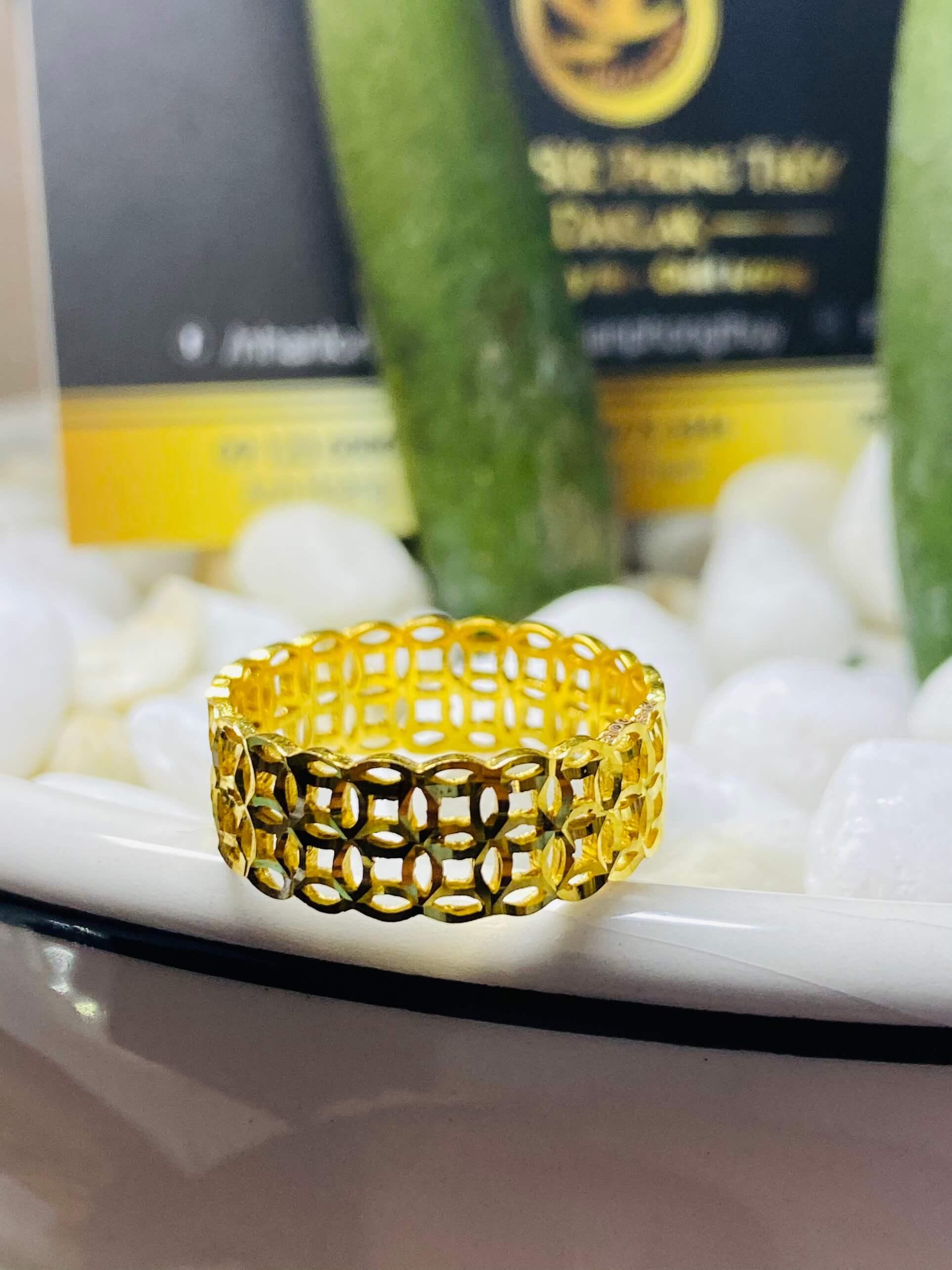 Nhẫn kim tiền kép vàng 18K chuẩn phong thủy đeo ngón giữa