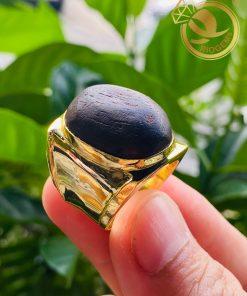 Sở hữu nhẫn nam vàng 18k mặt gỗ trầm hương - Sở hữu điều tốt đẹp nhất của