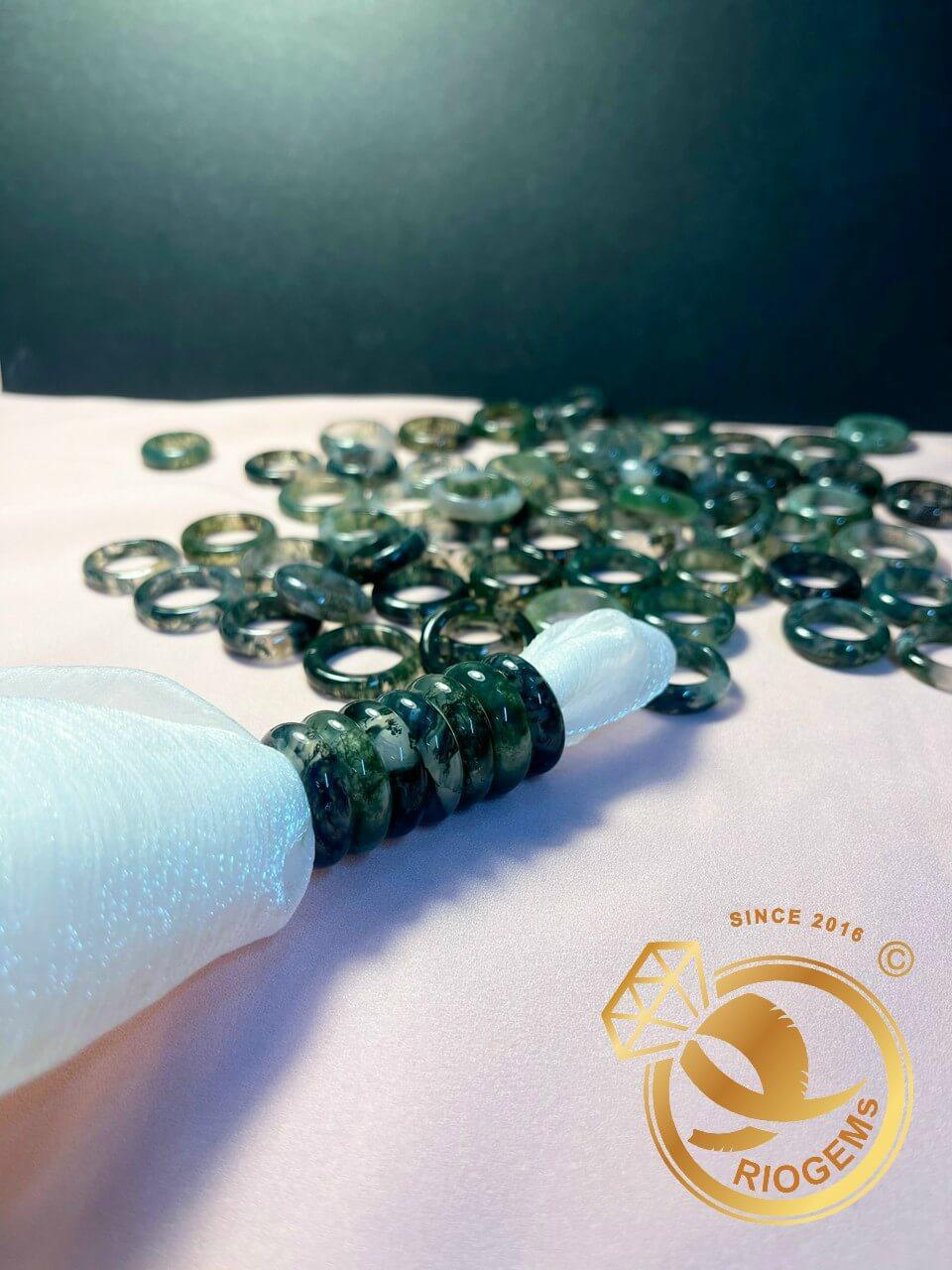 Nhẫn Ngọc thủy tảo hợp mệnh Mộc - Hỏa hợp cho các bạn nữ