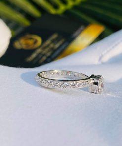 thiết kế tinh xảo của sản phẩm giúp nâng tầm giá trị của người đeo