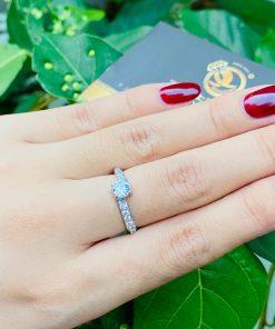 nhan-nu-cheo-chay-tam-xoan-moissanite-4li-vang-trang-18k-riogems
