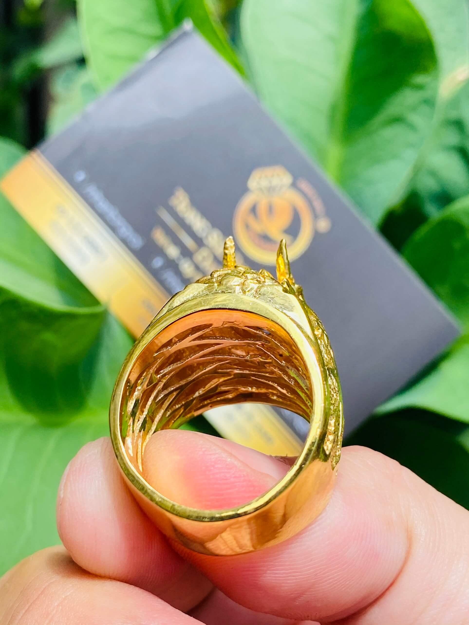 Nhẫn đầu rồng vàng ngâm ngọc