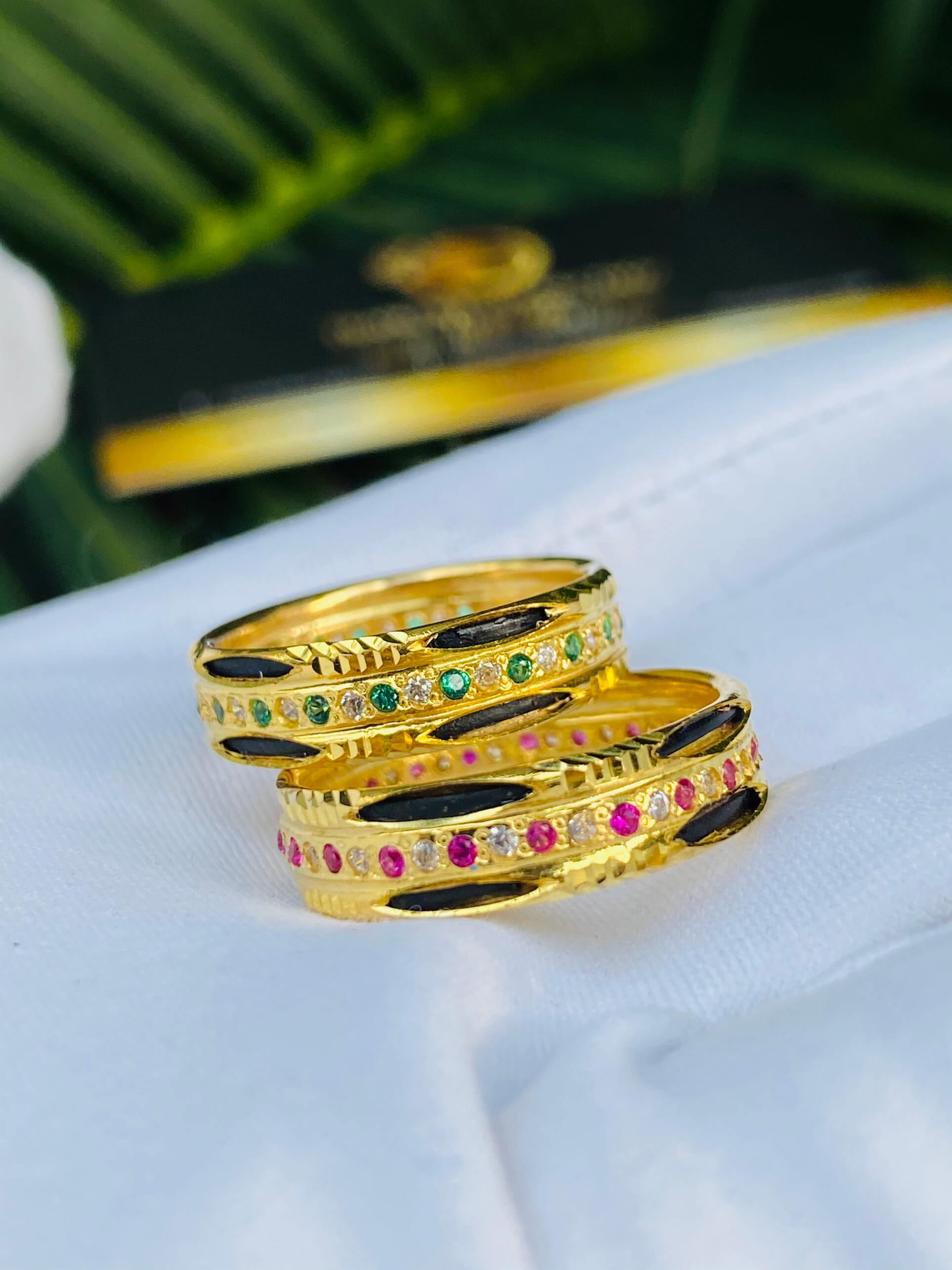 Nhẫn vàng luồng 2 Lông Voi đính đá xen kẽ