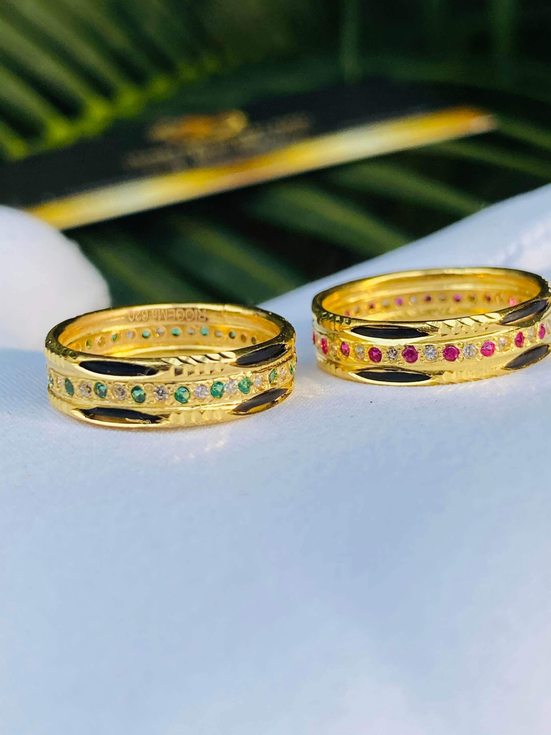 Nhẫn vàng luồng 2 Lông 1 hàng đá xen kẽ (lông FAKE) đẹp